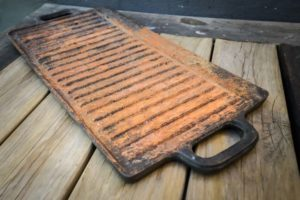 Rusty griddle pan