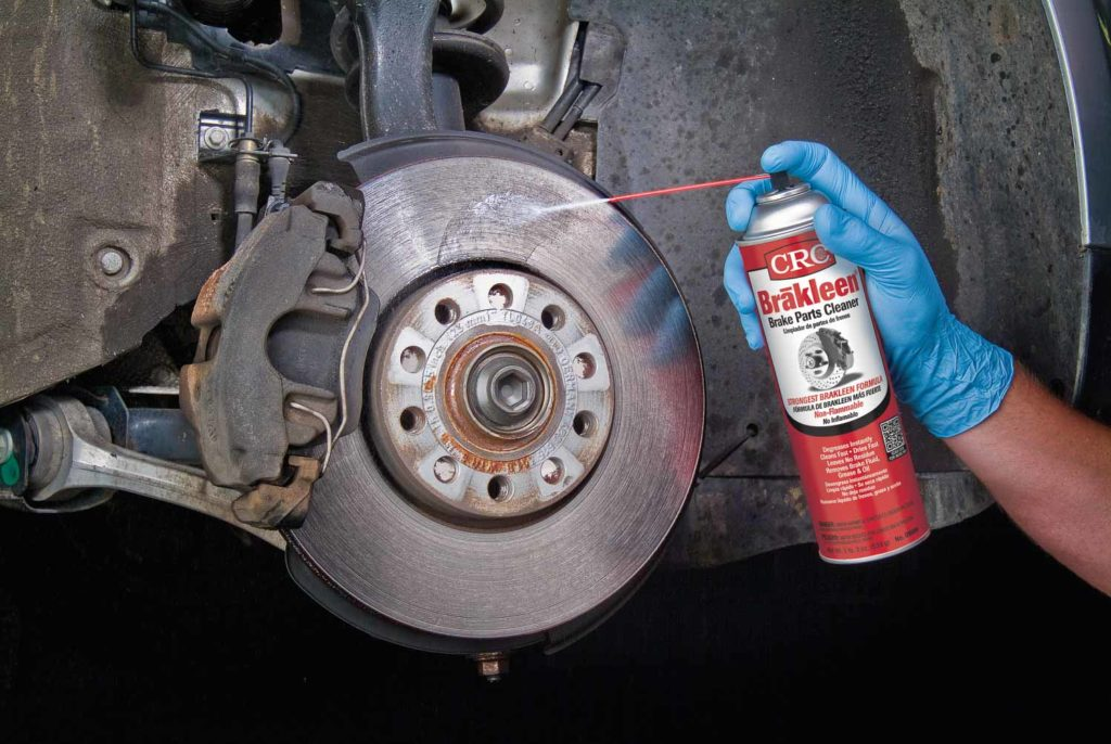 HOW TO CLEAN YOUR VEHICLE'S BRAKE PARTS BEFORE SERVICING